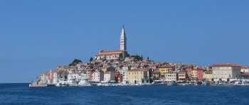 Old_town_of_Rovinj_Croatia_2005-09-15